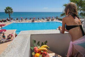Hotel Costa dello Ionio - piscina e spiaggia