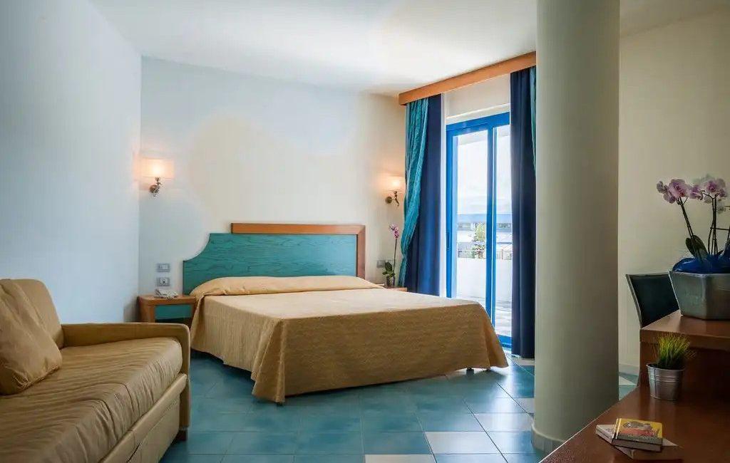 Hotel Cala Longa - camera da letto
